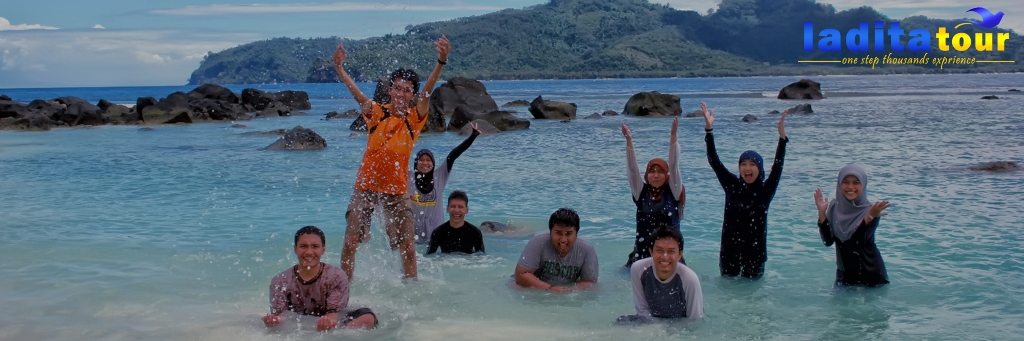 paket tour gunung krakatau dari jakarta