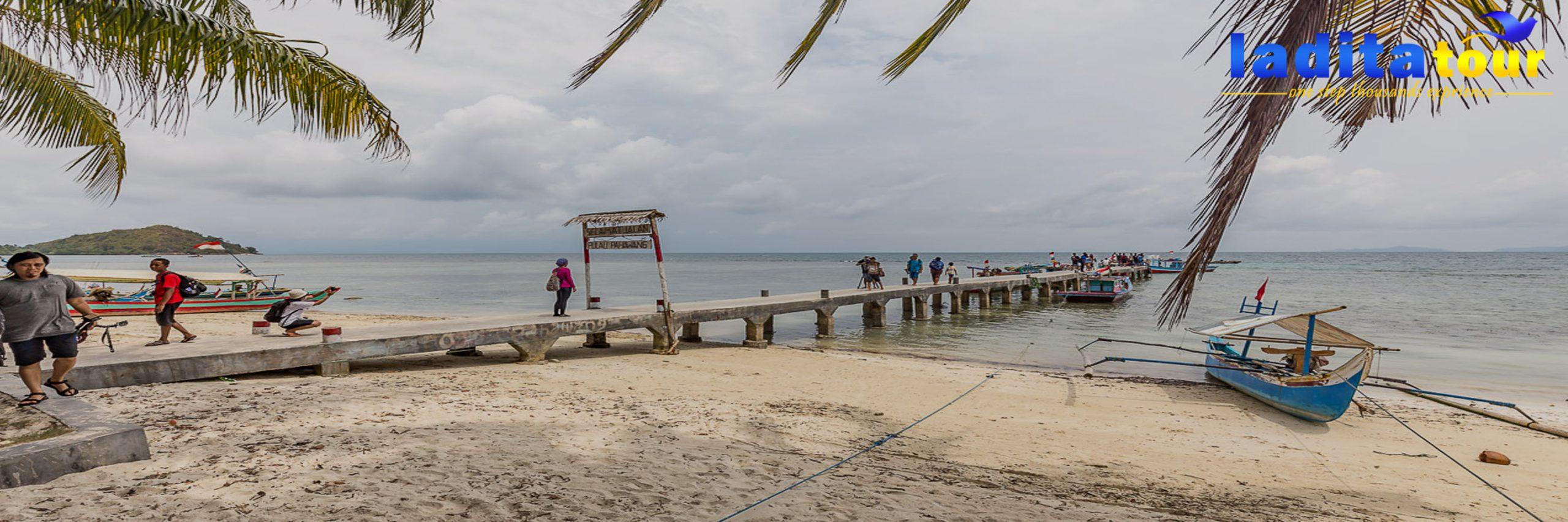 PAKET WISATA Pulau Pahawang dari Bandung