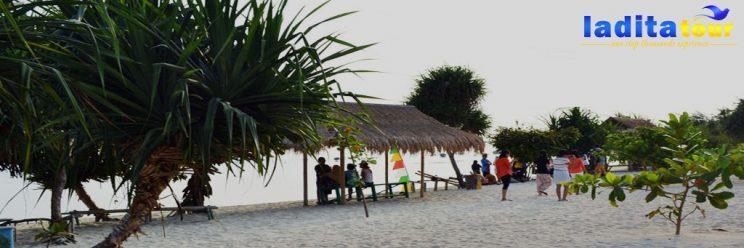 PAKET WISATA Pulau Pari Untuk 2 Orang