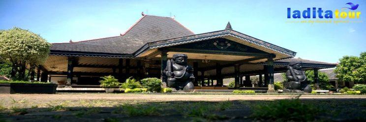 paket wisata monas dan taman mini indonesia indah