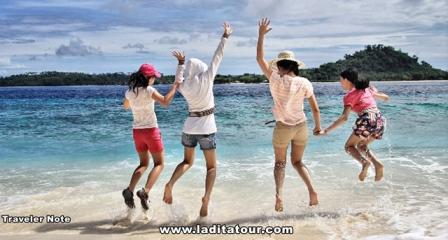 Pulau Pahawang Lampung Indonesia - Pantai Pasir Timbul